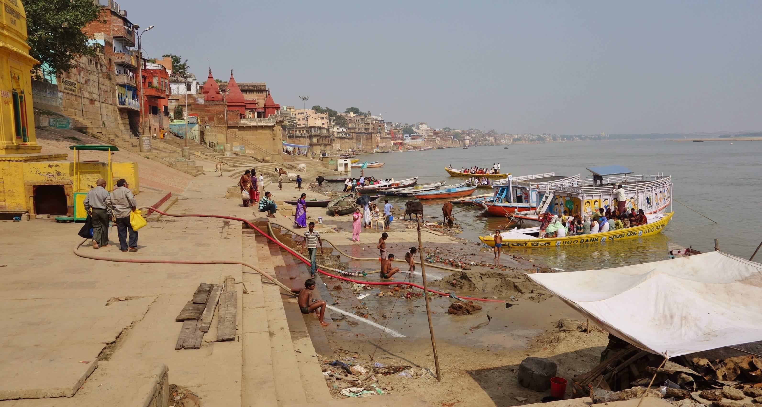 sur les bords du Gange à Varanasi