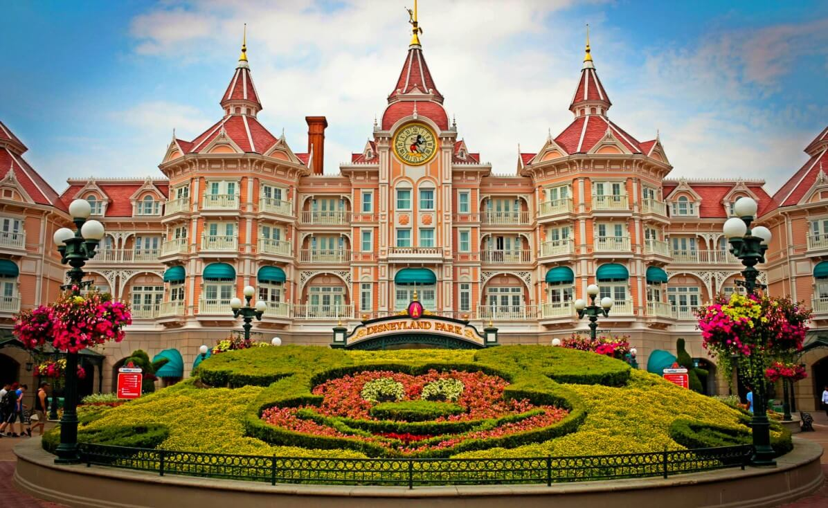 Disneyland Paris Hotel Inside